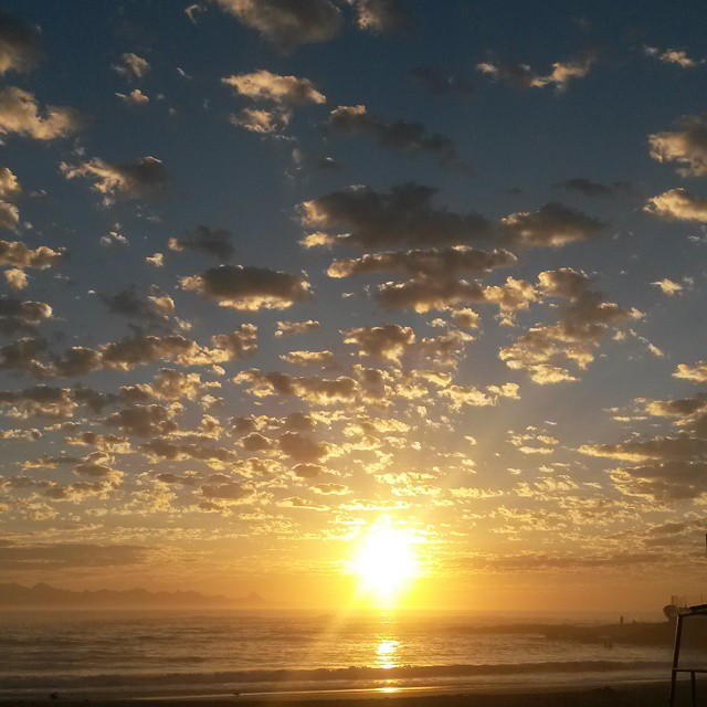 Sunrise showing off this week. One of the benefits of early morning runs.  #plettitsafeeling #gardenroute #sunrise #clouds #cloudporn #sky #beach #followme #nofilter