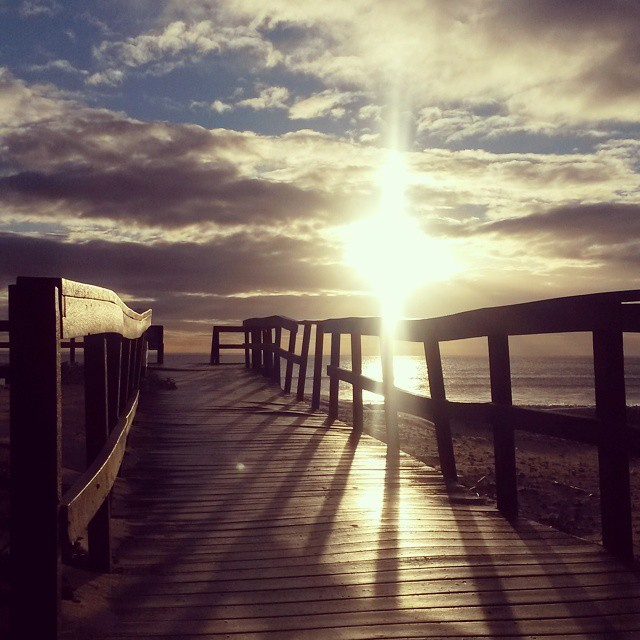 A new view. Hello #cityofpe I'm hanging with you for a week and a bit.  #sunlight #sunrise #clouds #boardwalk #beach #morninglight #portelizabeth